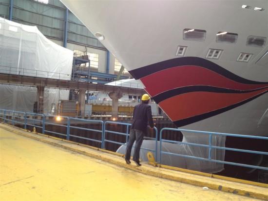 Knutschen mit der AIDA Stella auf der Meyer Werft