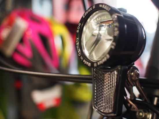SON Fahrradbeleuchtung am Nabendynamo