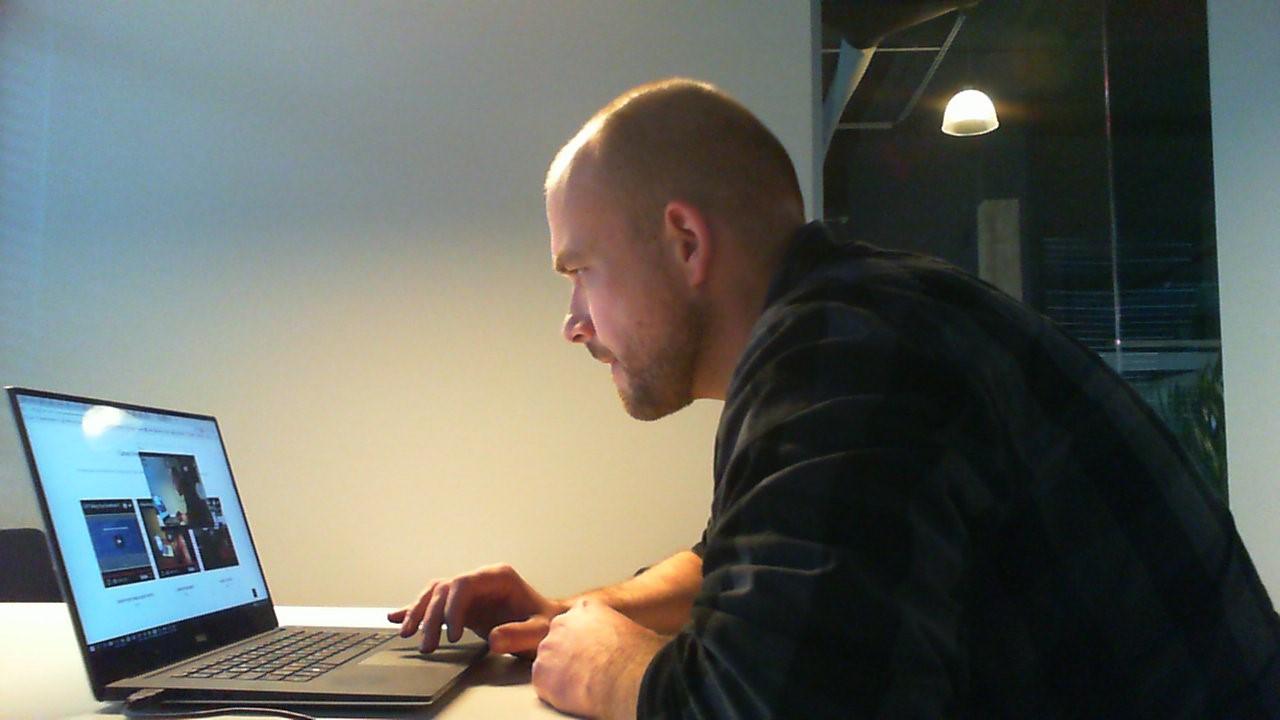 Kollege Tim bereitet sich auf die Sitecore Entwickler Zertifizierung vor